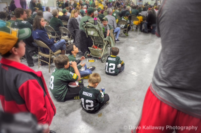Little Packer Fans chillin' in the crowd...