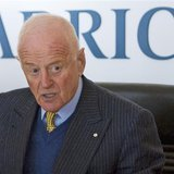 Peter Munk, founder and chairman of Barrick Gold Corp, attends a news conference in Toronto in this file photo taken January 16, 2009. REUTE