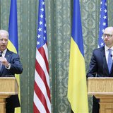 U.S. Vice President Joe Biden (L) and Ukraine's Prime Minister Arseny Yatseniuk attend a media briefing in Kiev April 22, 2014. REUTERS/Vale