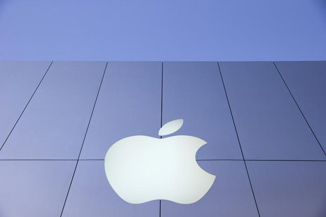 An Apple logo is seen during Black Friday in San Francisco, California November 29, 2013. REUTERS/Stephen Lam