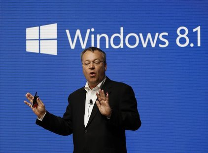 Nokia's Chief Executive Stephen Elop gestures during a presentation at the Mobile World Congress in Barcelona February 24, 2014. REUTERS/Gus