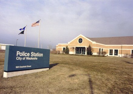 Front view of Waukesha Police Station (Photo from: www.ci.waukesha.wi.us)