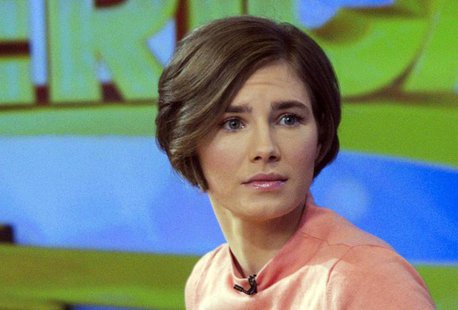 "Amanda Knox reacts while being interviewed on the set of ABC's ""Good Morning America"" in New York January 31, 2014. REUTERS/Andrew Kelly"