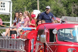 The City of Sioux Falls is seeking entrants for the Fourth of July Parade. (KELO AM file)