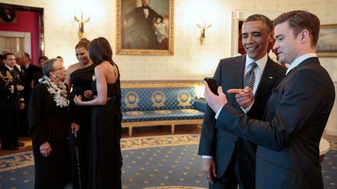 Image courtesy of Official White House Photo by Pete Souza (via ABC News Radio)