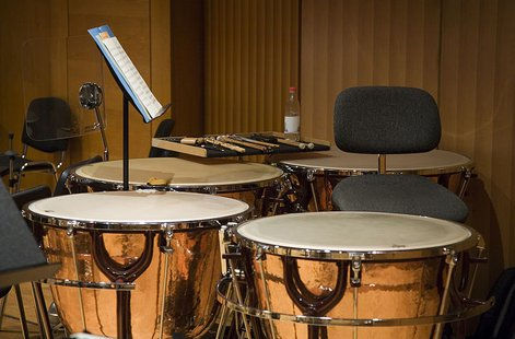 Standard set of timpani Percussion. (Photo from: By Jorge Royan (Own work) [CC-BY-SA-3.0 (http://creativecommons.org/licenses/by-sa/3.0)], via Wikimedia Commons)