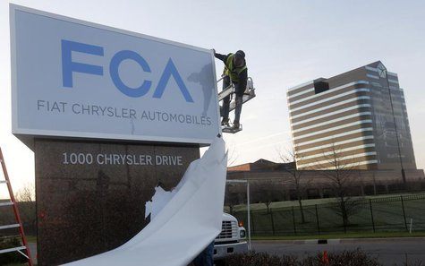 A new Fiat Chrysler Automobiles sign is unveiled at Chrysler Group World Headquarters in Auburn Hills, Michigan May 6, 2014. REUTERS/Rebecca