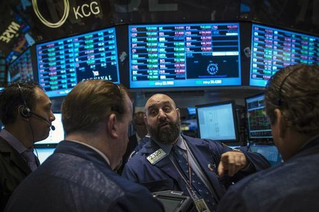Traders work on the floor of the New York Stock Exchange, October 3, 2013. REUTERS/Brendan McDermid