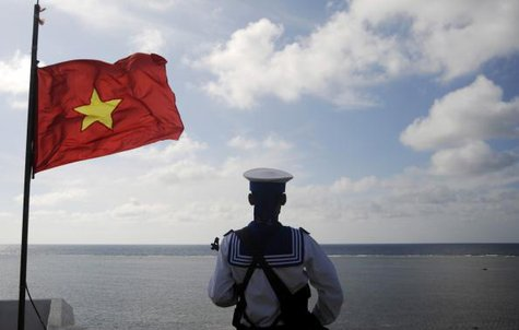 A Vietnamese naval soldier stands quard at Thuyen Chai island in the Spratly archipelago in this January 17, 2013 file picture. CREDIT: REUTERS/QUANG LE/FILES