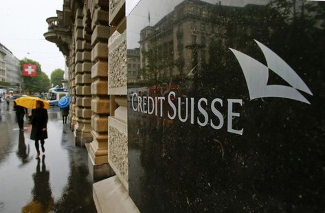 Swiss bank Credit Suisse logo is seen in front of its headquarters in Zurich May 2, 2014. REUTERS/Arnd Wiegmann