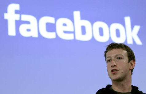 Facebook CEO Mark Zuckerberg speaks during a news conference at Facebook headquarters in Palo Alto, California May 26, 2010. REUTERS/Robert