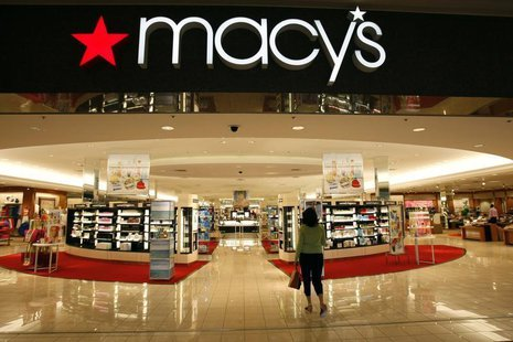 A woman shops at the Macy's store at a mall in a Denver suburb May 16, 2008. REUTERS/Rick Wilking