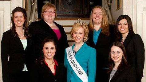 Alice in Dairyland Kristin Olson & the 2014 Alice in Dairyland finalists