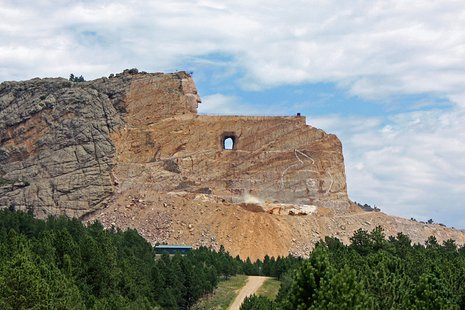 Crazy Horse Memorial - Wikimedia Commons photo by Tbennert