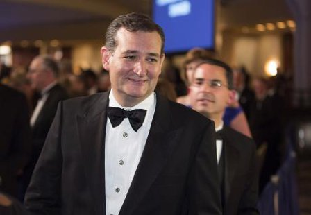 Senator Ted Cruz (R-TX) walks during the White House Correspondents' Association Dinner in Washington May 3, 2014. CREDIT: REUTERS/JOSHUA ROBERTS