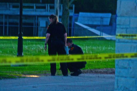 Officers investigate shots fired at Kiwanis Park (Courtesy of Sheboygan Nigh Scanner)