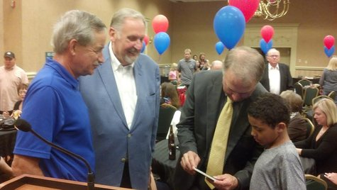 Mayor Walaker, Commissioner Mahoney checking election returns