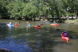Kayak lessons on the Big Sioux River. (SF.org)