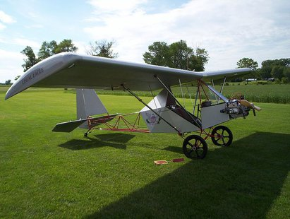 A Legal Eagle ultralight aircraft (Photo By Brett6781 (Own work) [CC-BY-SA-3.0 (http://creativecommons.org/licenses/by-sa/3.0)], via Wikimedia Commons).