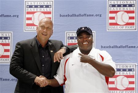 Former Baltimore Oriole Cal Ripken Jr. and former San Diego Padre Tony Gwynn pose for photographs following a news conference in Cooperstown, New York July 28, 2007. Ripken and Gwynn will be inducted into the National Baseball Hall of Fame on July 29. CREDIT: REUTERS/BRIAN SNYDER