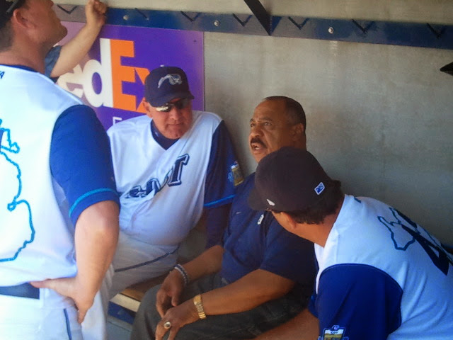 Willie Horton holding court with Mike Henneman (L) and Whitecaps manager Andrew Graham (R)