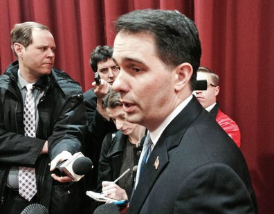 Scott Walker speaks with reporters (photo: Wisconsin Radio Network)