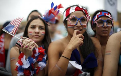 USA fans react during the 2014 World Cup Group G soccer match between Germany and the U.S. at a viewing party in Hermosa Beach, California June 26, 2014. CREDIT: REUTERS/LUCY NICHOLSON
