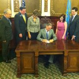 Governor Dennis Daugaard signs Joleen's Law.  (state.sd.gov)