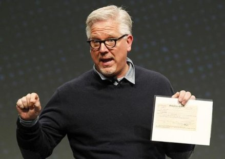 Radio and television personality Glenn Beck speaks to a gathering at FreePAC Kentucky at the Kentucky International Convention Center in Louisville, Kentucky April 5, 2014. CREDIT: REUTERS/JOHN SOMMERS II
