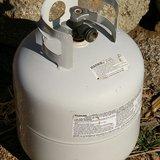 A propane tank. Image by Hustvedt, via Wikimedia.