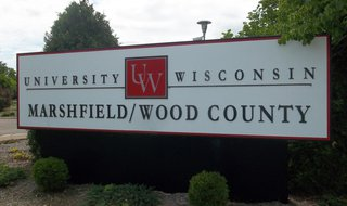 UW Marshfield/Wood County sign Photo: Terry Pezl  © 2014 Midwest Communications