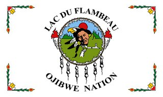 Lac du Flambeau Ojibwe Nation flag. Photo: By Xasartha (Own work) [CC-BY-SA-3.0 (http://creativecommons.org/licenses/by-sa/3.0)], via Wikimedia Commons