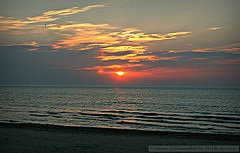 Sunset over Lake Michigan (copyright: Midwest Communications, Inc)