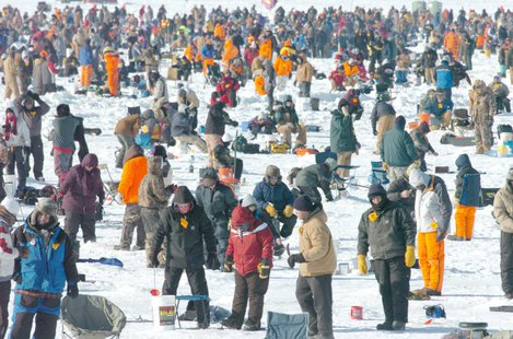 Brainerd ice fishing contest postponed until feb 6 news for Ice fishing extravaganza