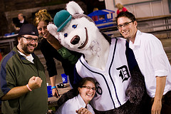 Duluth Huskies Mascot and Fans