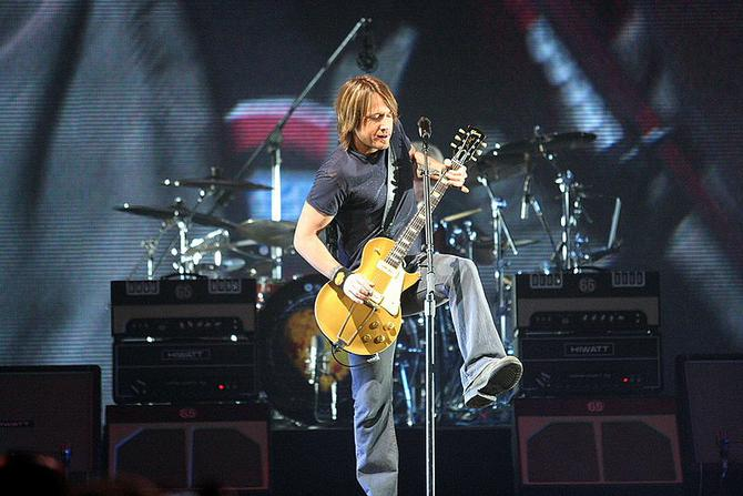 by craig oneal keith urban world tour cc by sa 2 0 http